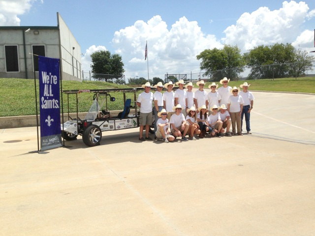 Dr. Lyle Crossley and his team of student engineers.