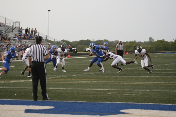 The Arlington Heights Yellow Jackets couldn't stop the running game of the Bears.