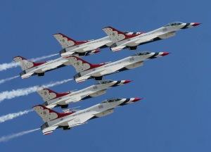 US_Air_Force_Thunderbirds
